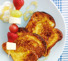 Eggy bread with fruit kebabs (2)